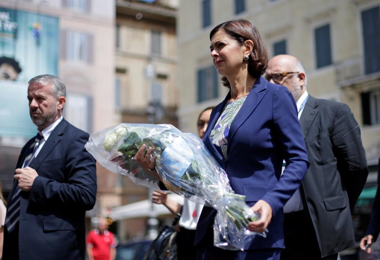 L'omaggio della presidente della camera Boldrini all'ambasciata di Francia a Roma