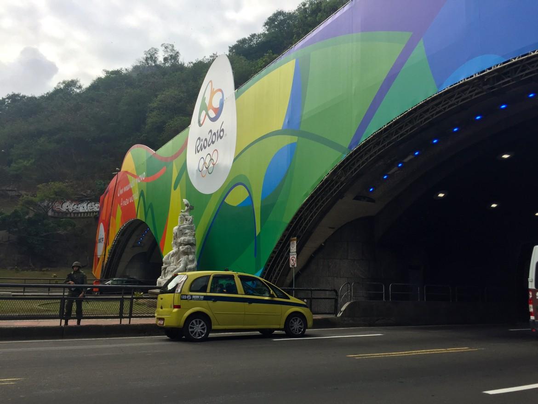 Sorveglianza armata al tunnel che da Botafogo porta a Leme e Copacabana