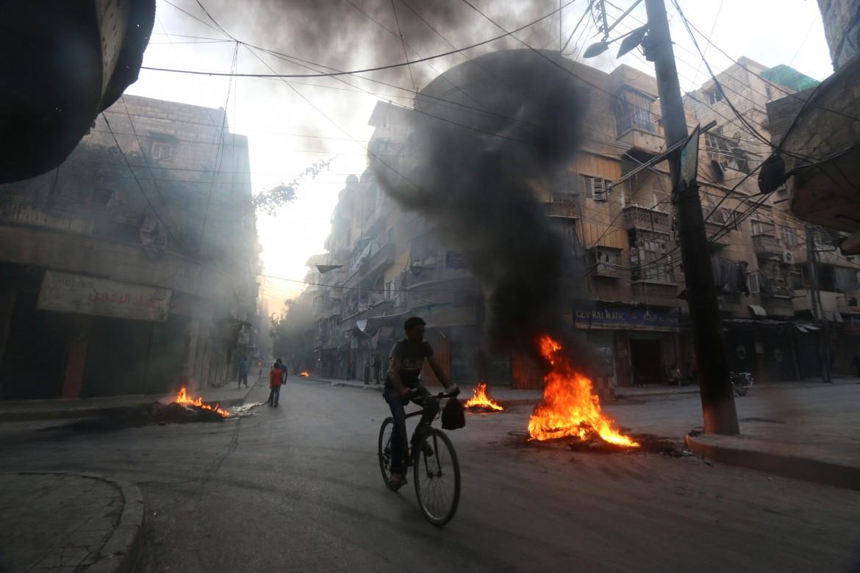 La città di Aleppo nella morsa