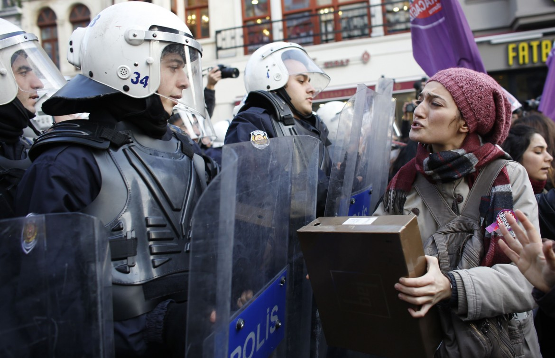 Manifestazione in Turchia contro la violenza di genere