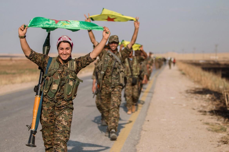 Combattenti kurd delle Ypg e le Ypj in Rojava