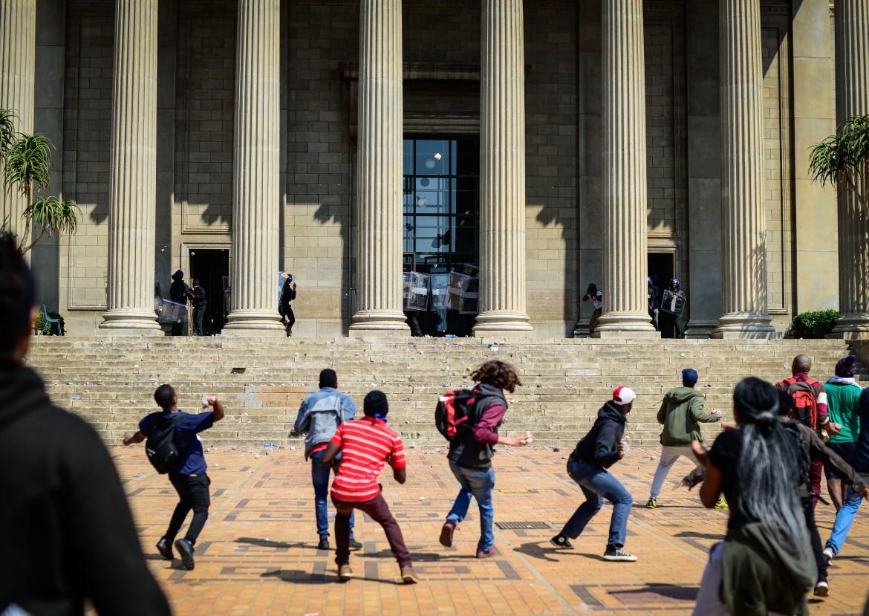 La protesta all'Università Witwatersrand (Wits) di Johannesburg