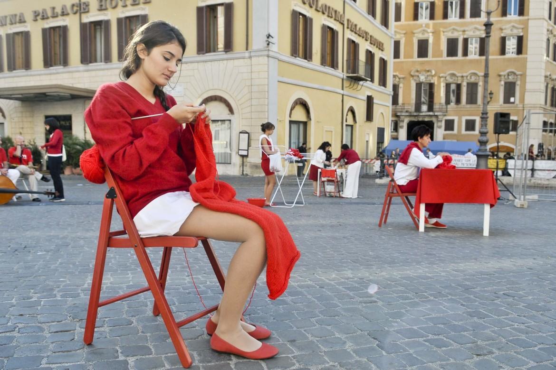 Una performance teatrale contro il femminicidio a Montecitorio