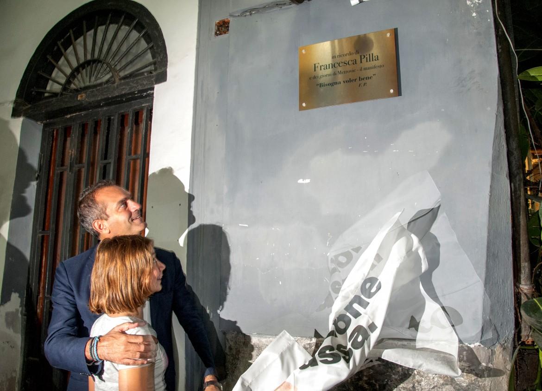 Luigi de Magistris con la figlia di Francesca Pilla, Alessandra