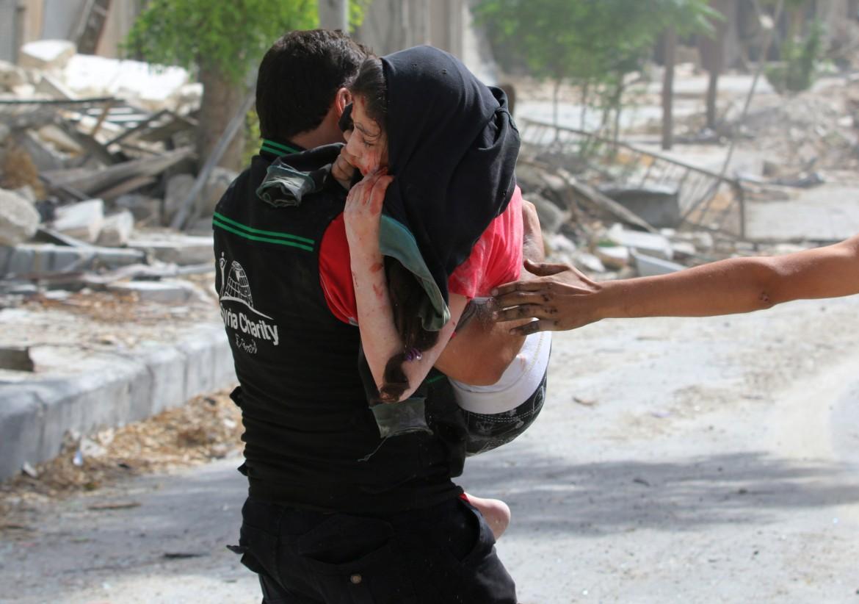 Civili soccorsi ad Aleppo