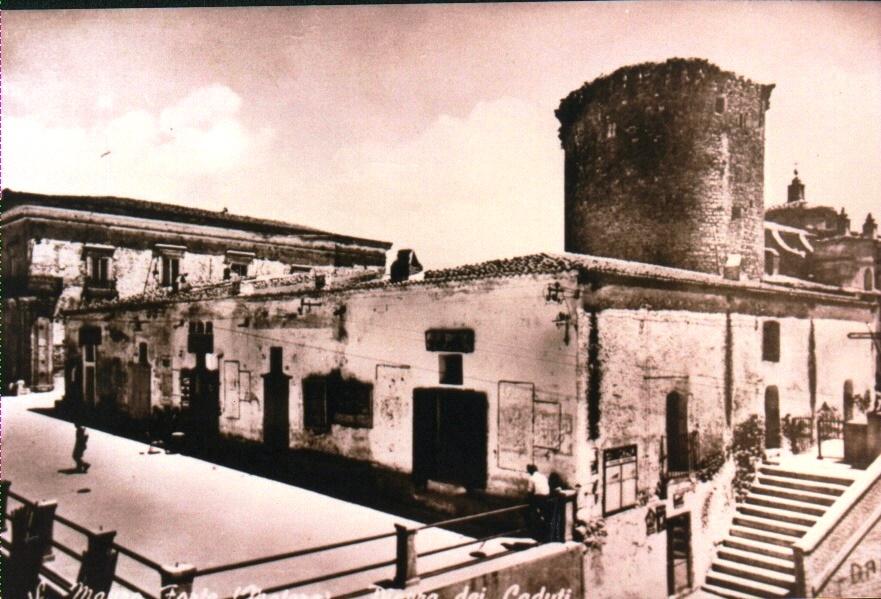 La piazza dove la rivolta ebbe inizio in una foto d'epoca