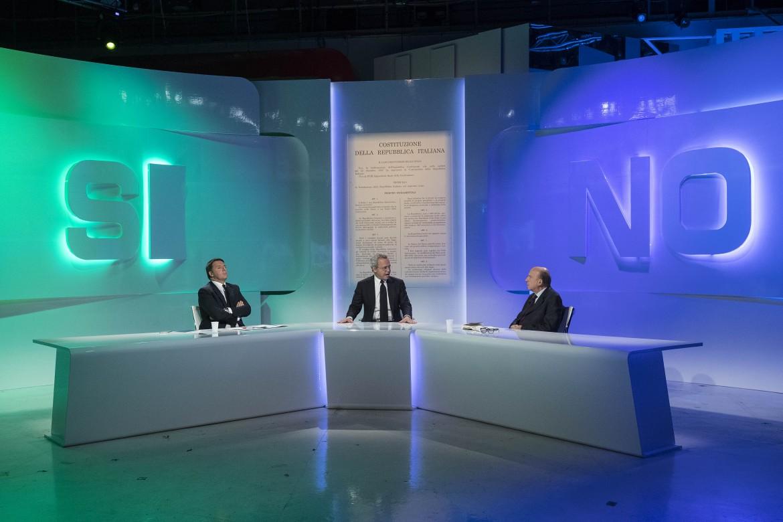 Renzi e Zagrebelsky nel dibattito con Enrico Mentano su La7 per il referendum costituzionale