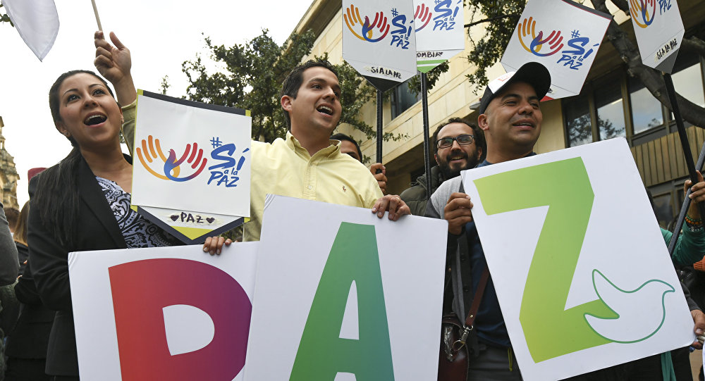 Manifestazione a favore dell'accordo di pace a Bogotà