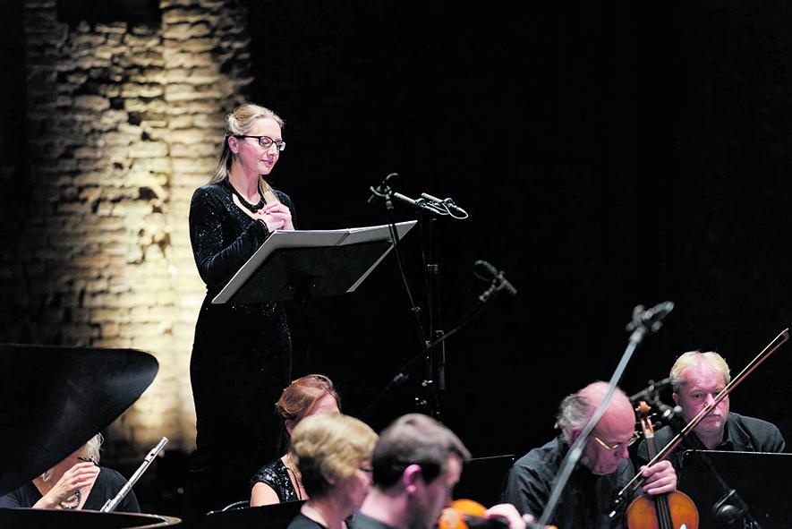 Il soprano Anna Radziejewska interprete dei brani di Sciarrino;Ryo Murakami