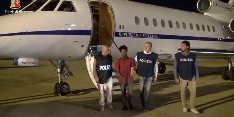 L'arresto del presunto trafficante di essere umani