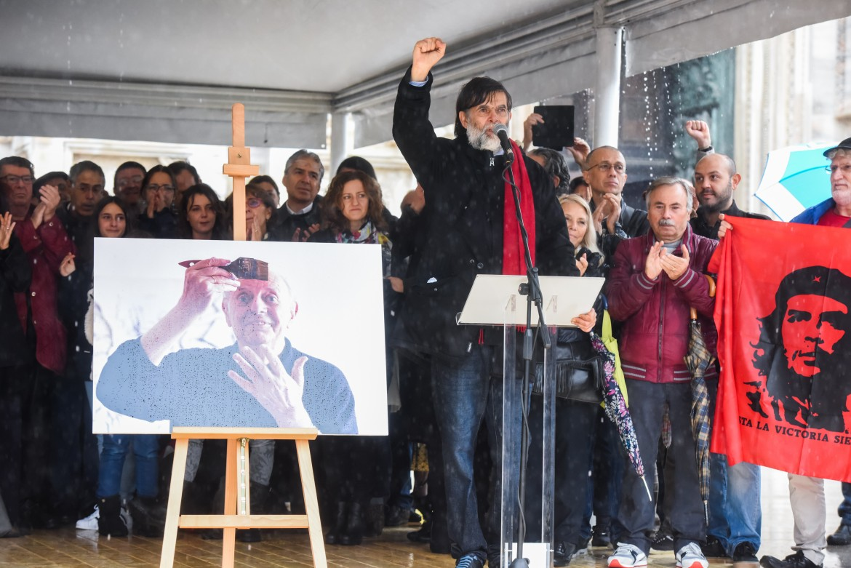 I funerali di Dario Fo sul sagrato del duomo di Milano