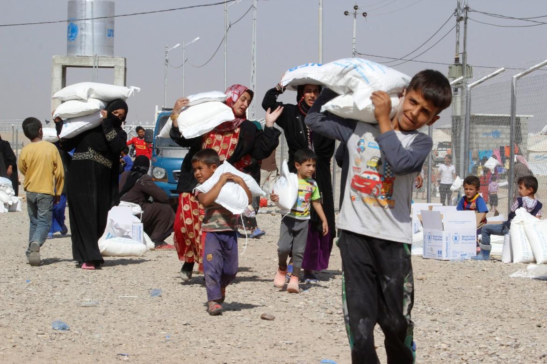 Civili iracheni in fuga
