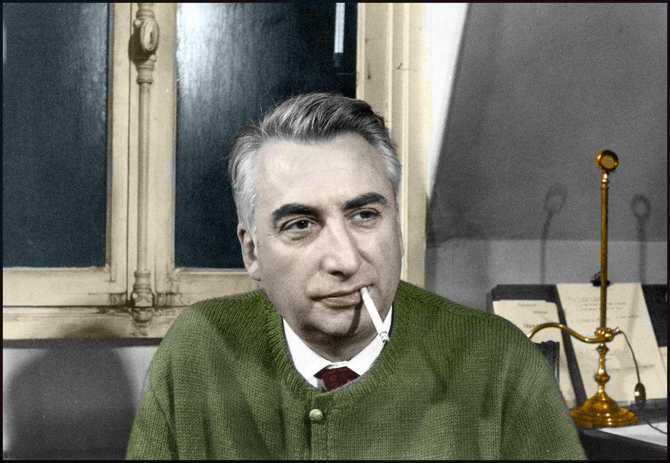 Roland Barthes nel suo studio nel 1970, foto Macchi Polymnia Leemage