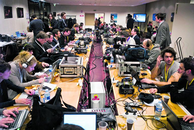 Giornalisti al lavoro durante la campagna elettorale per le presidenziali in Francia