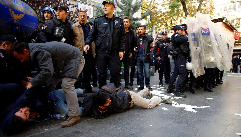 Arresti di massa ieri a Diyarbakir