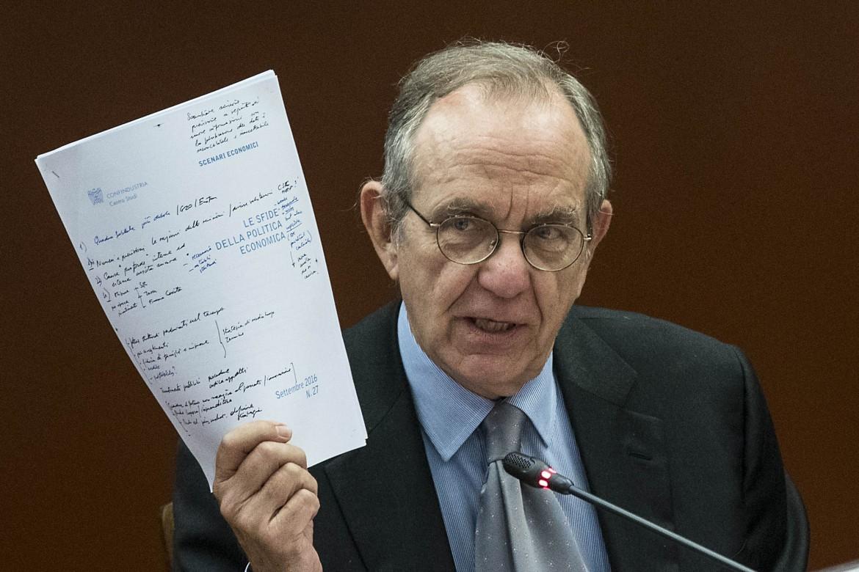Il ministro economico-finanziario Pier Carlo Padoan