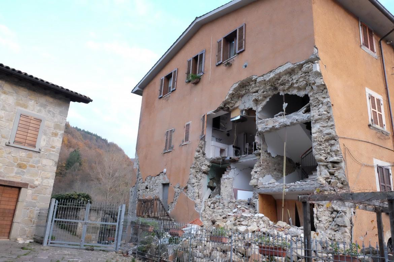 Case Di Pietra Terremoto : Adeguamento sismico edifici storici tipi di intervento per