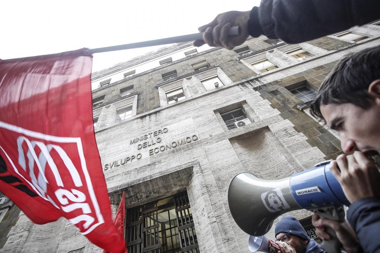 I lavoratori Almaviva sotto il ministero dello Sviluppo