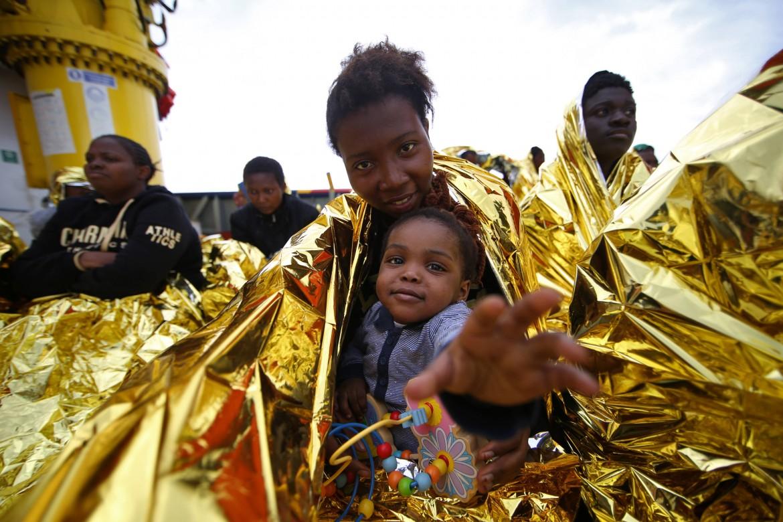 Migranti tratti in salvo