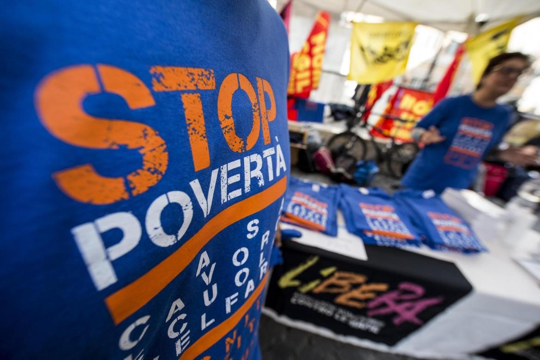 Stop povertà, una delle campagne di lotta contro l'esclusione sociale