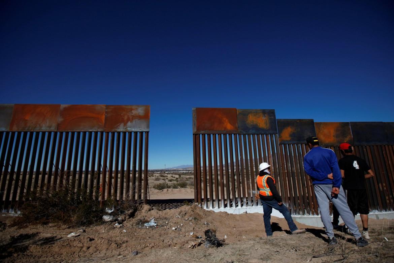 La porta di Sunland Park del muro tra Messico e Usa nei pressi di Ciudad Juárez