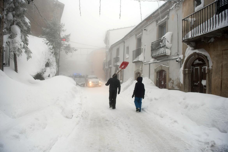 Montazzoli coperta dalla neve