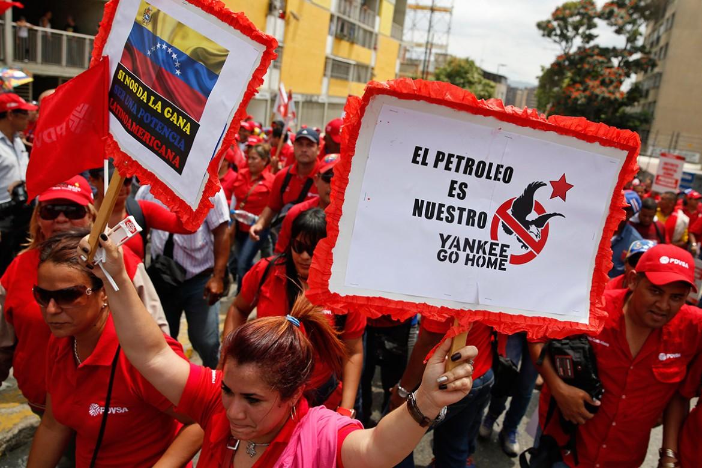 Caracas, manifestazione contro le sanzioni Usa