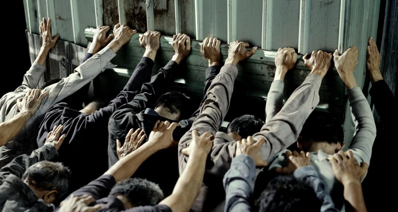 Chen Chieh Jen, «People Pushing» (2007-8, courtesy Chen Chieh Jen Studio)