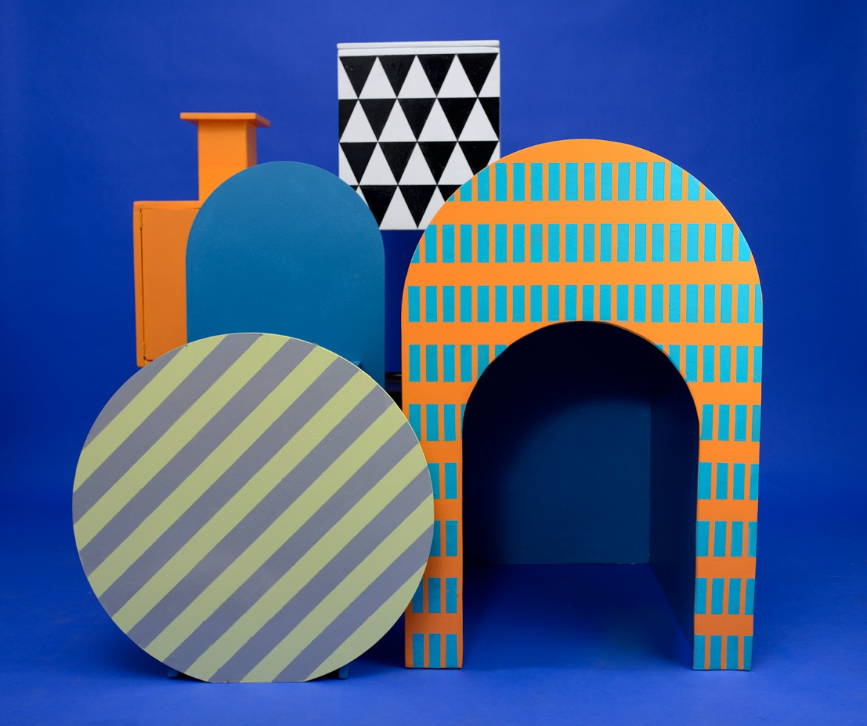 La prima collezione di Talking Hands, delle casette di legno in cui i bambini possano giocare e trovare rifugio, si chiama appunto «Rifùgiati»