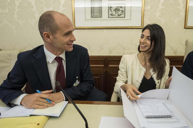 Daniele Frongia e Virginia Raggi lo scorso settembre