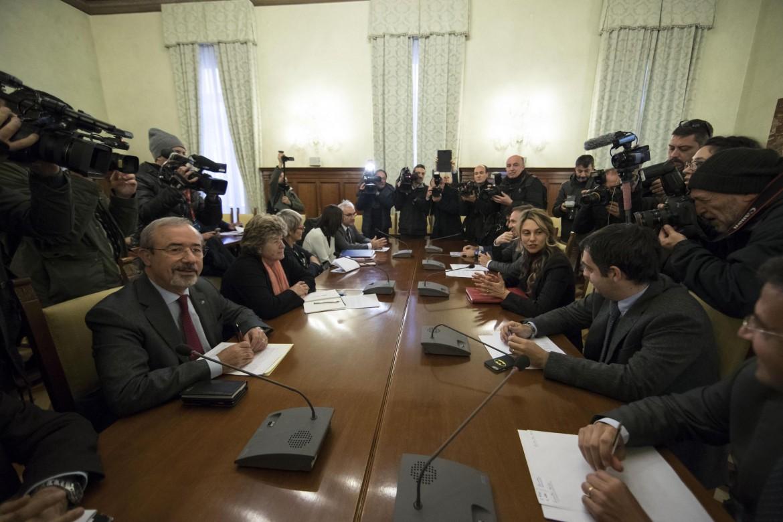 Un tavolo fra il ministro Marianna Madia e i sindacati