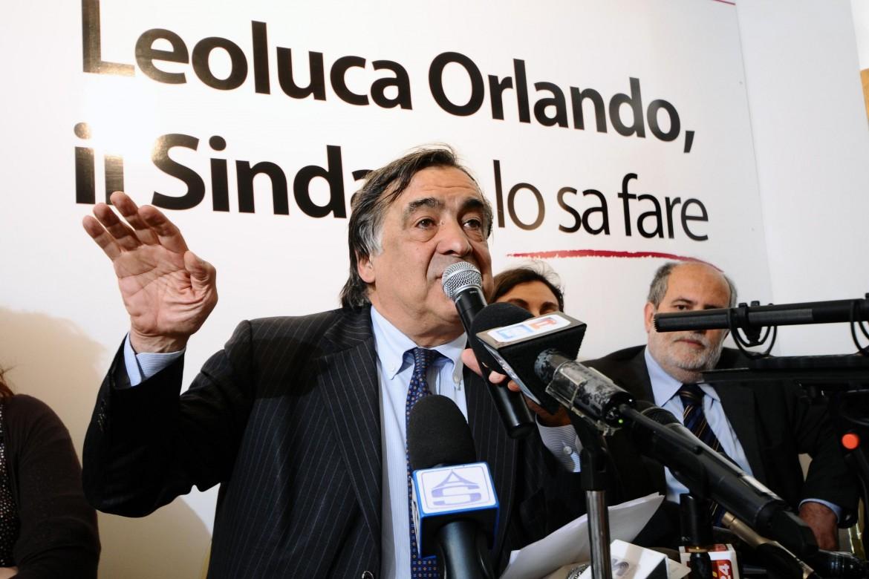 Il sindaco di Palermo Leoluca Orlando si candida per la quinta volta dal 1985