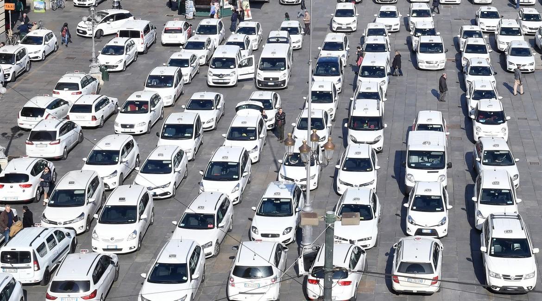 Sciopero dei taxi a Torino