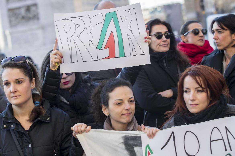 Le proteste dei lavoratori Alitalia
