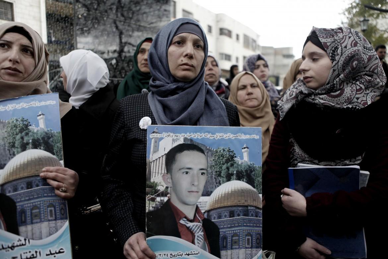 La madre di Abdel Fattah al Sharif, il palestinese ucciso da Elor Azaria