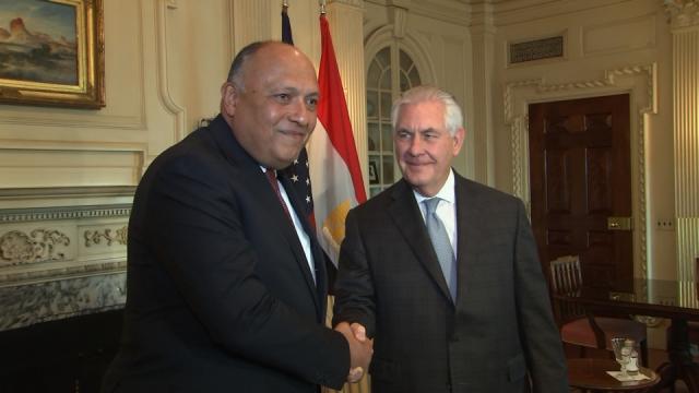 Il ministro degli Esteri egiziano Shoukry con il segretario di Stato Tillerson