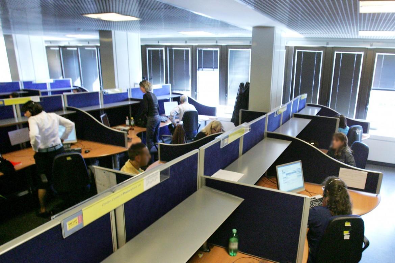 Un call center (immagine di repertorio)