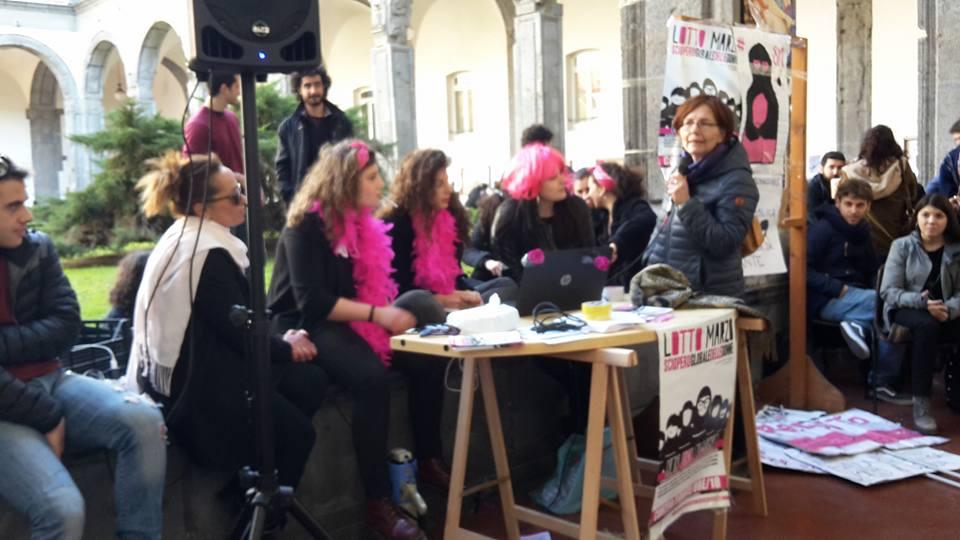 La mobilitazione delle studentesse a Napoli