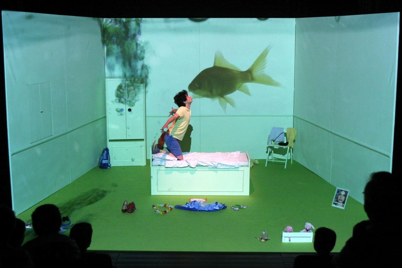 Un'immagine dello spettacolo Fa'afafine