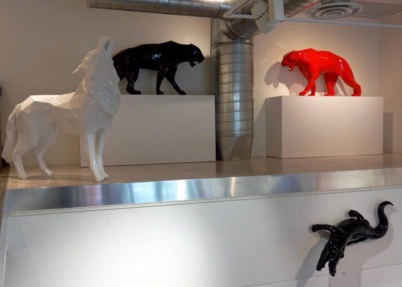 una installazione di Richard Orlinski