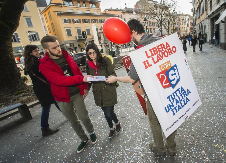 La campagna della Cgil per i referendum su voucher e appalti