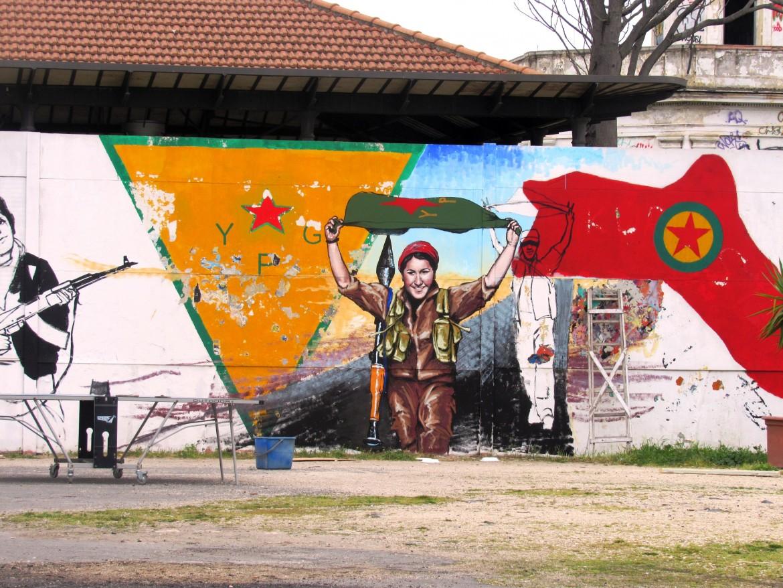 Il murales dell'artista yemenita Aladin che sarà inaugurato per il Newroz