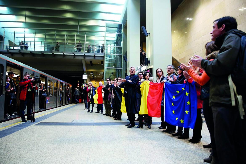 Il ricordo delle vittime, ieri, nella metropolitana di Bruxells