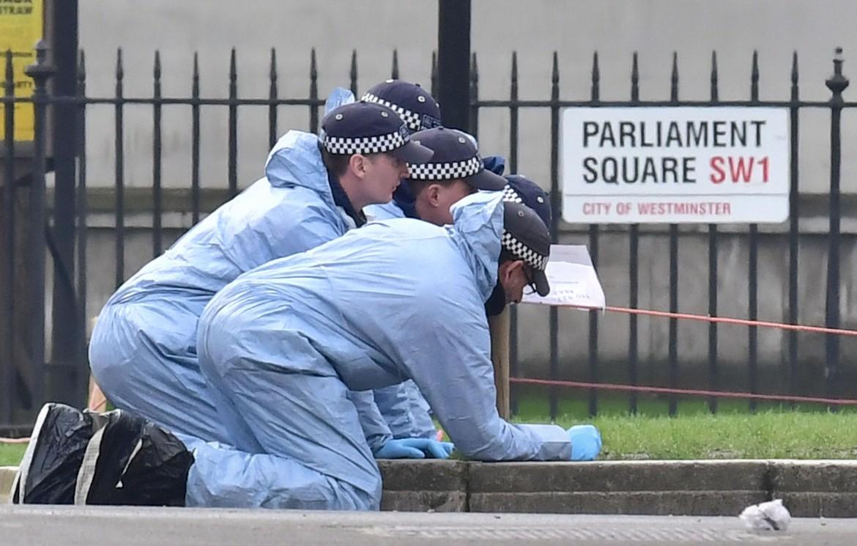 Polizia scientifica sul luogo dell'attentato