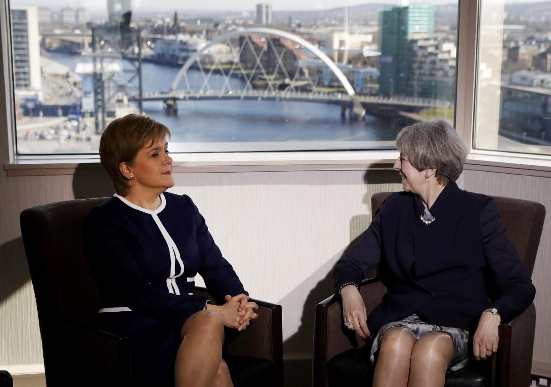 La premier britannica Theresa May e la  «first minister» scozzese Nicola Sturgeon