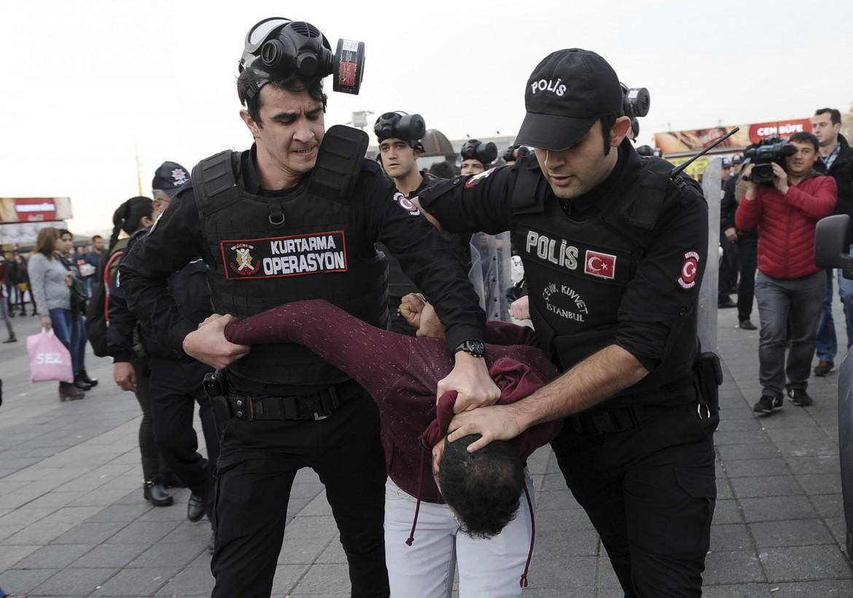 La polizia turca arresta un sostenitore dell'Hdp a Istanbul