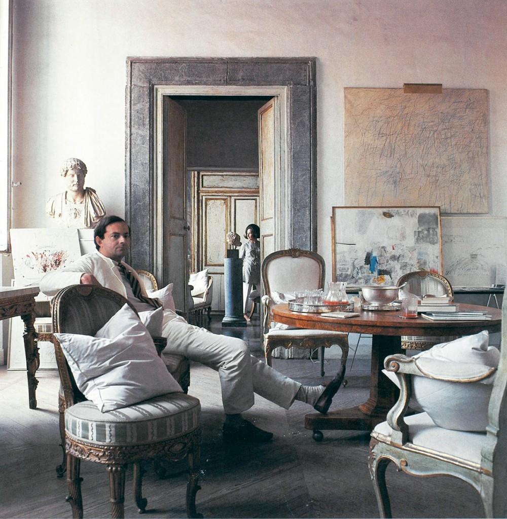 Cy Twombly a Roma nel 1966, nella casa di via Monserrato, foto di Horst P. Horst