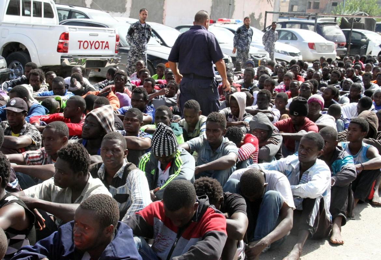 Tripoli, la cattura e lo smistamento dei migranti