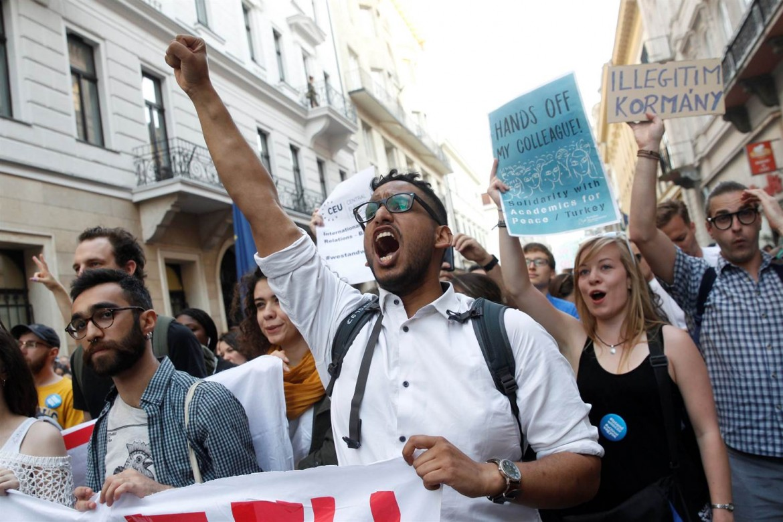 Protesta degli studenti contro il provvedimento concepito dal governo di Viktor Orbán