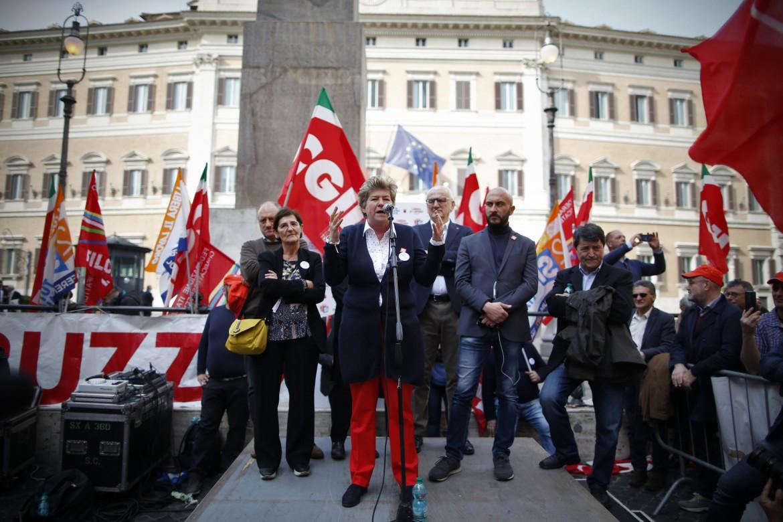 Susanna Camusso alla manifestazione Cgil sui voucher davanti a Montecitorio